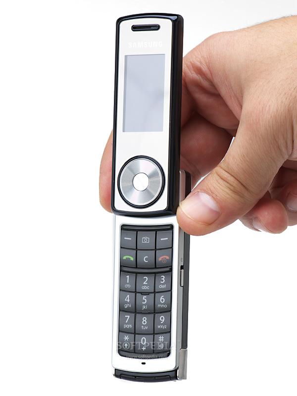 Телефон samsung sgh f210 iphone 5s против