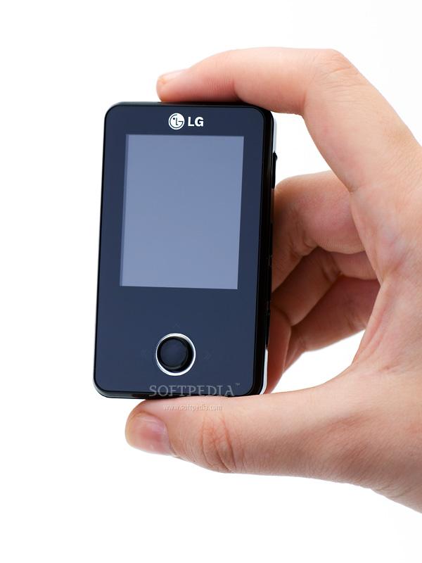 lg fm33 mp3 player review rh news softpedia com Phone with MP3 Player MP3 Player Sharp