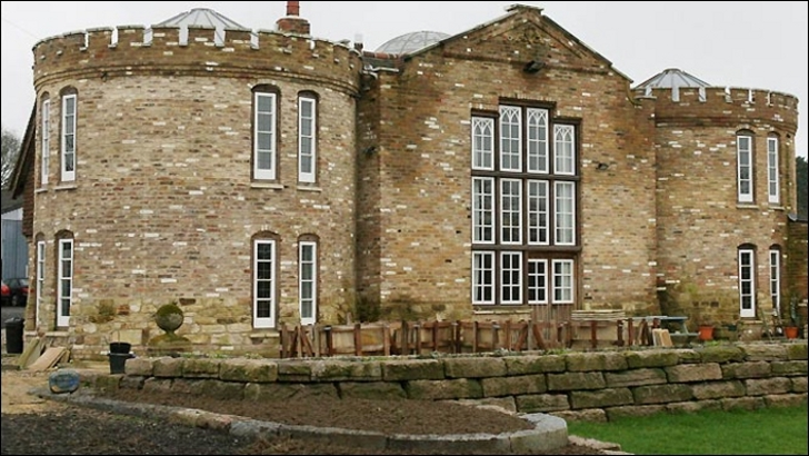 Diez castillos construidos por una sola persona Farmer-s-Secret-Castle-Will-Be-Torn-Down-Court-Orders