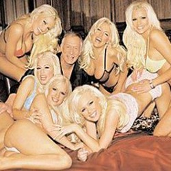 http://news.softpedia.com/images/news2/God-of-War-III-Talked-About-in-the-Playboy-Mansion-2.jpg