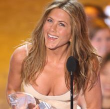 jennifer aniston boobs