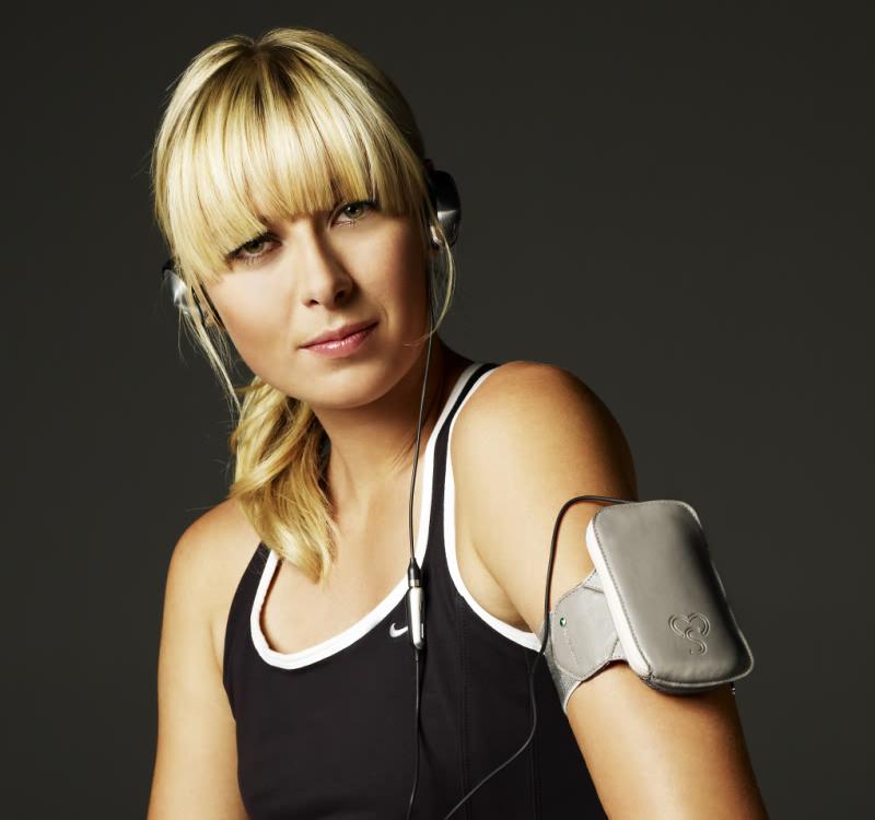 Maria Sharapova Design Collection unveiled by Sony Ericsson 2 - Maria sherapova