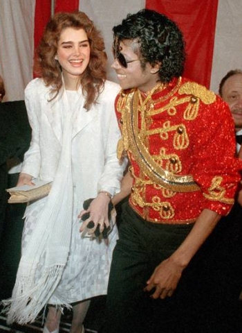 http://news.softpedia.com/images/news2/Michael-Jackson-Asked-Me-to-Marry-Him-Brooke-Shields-Reveals-2.jpg