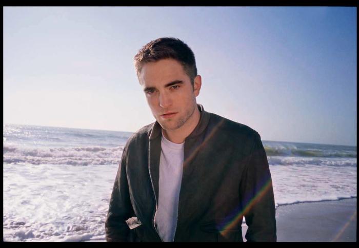 Robert Pattinson Talks Body Dysmorphia, Personal Insecurities ...